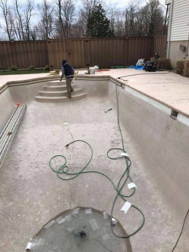 Opening and Closing Swimming Pool Service